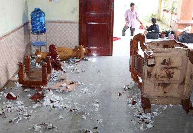 Xôn xao vụ cha nhốt 3 con nhỏ trong phòng ngủ, châm lửa đốt ở Quảng Bình 1