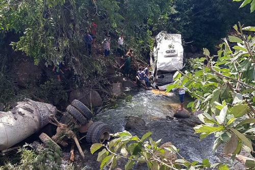 Nạn nhân sống sót trong vụ tai nạn Lai Châu vẫn chưa biết mất 2 người thân 2
