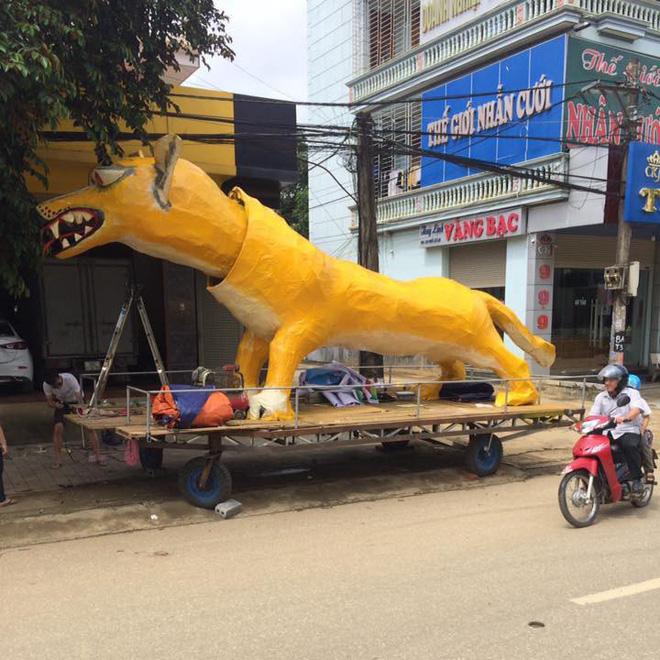 Xuất hiện linh vật Trung Thu khổng lồ lai giữa chó Chihuahua và chồn Scrat khiến cư dân mạng cười nghiêng ngả 1