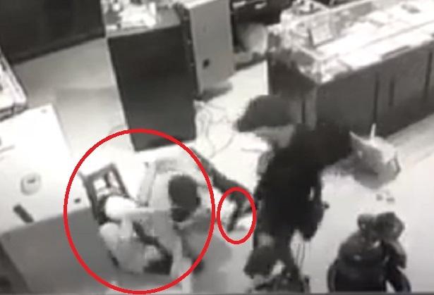 Clip: Vợ chủ tiệm vàng Sơn La giằng co với nhóm cướp 1