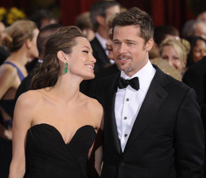 Sau 2 năm nộp đơn ly hôn, Angelina Jolie bất ngờ tìm gặp lại Brad Pitt và đây là lý do 2