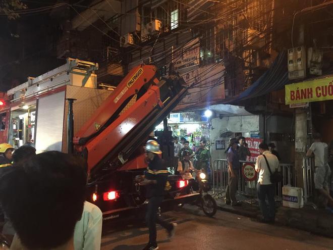 Phong tỏa hiện trường khu vực cháy nhà ông Hiệp 'khùng' vì phát hiện xác chết 2