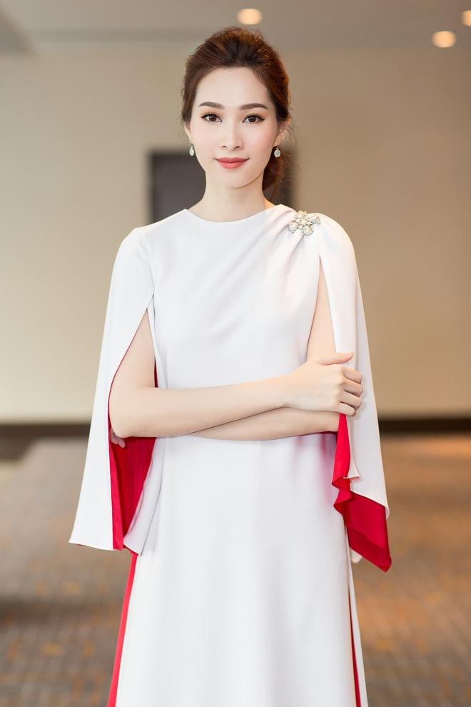 Hoa hậu Việt Nam ngày mới đăng quang: Người bị ném đá về nhan sắc, kẻ được cả truyền thông quốc tế tán dương 16