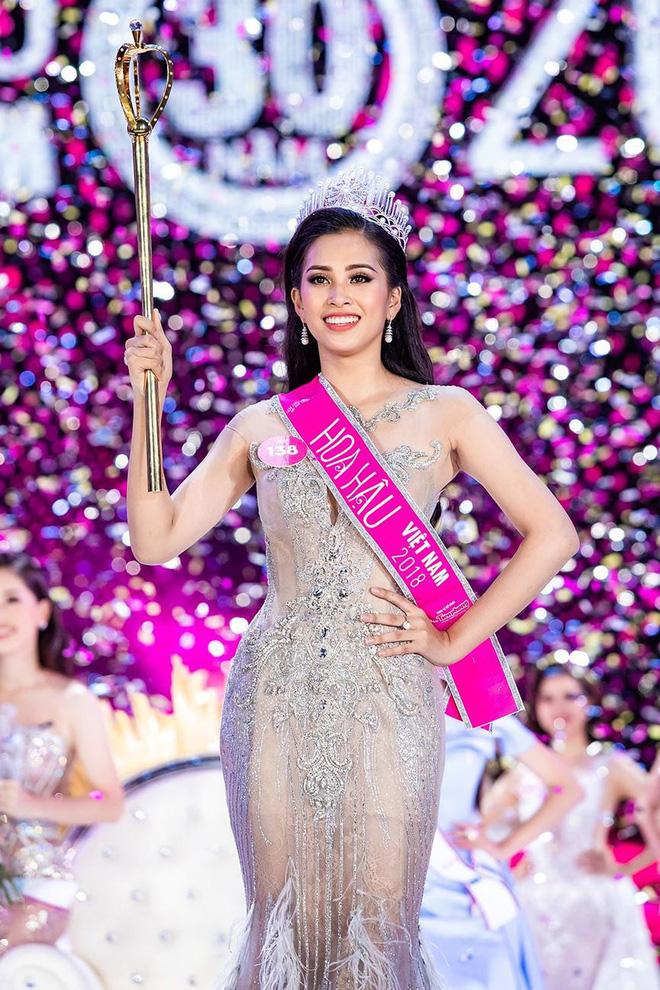 Hoa hậu Việt Nam ngày mới đăng quang: Người bị ném đá về nhan sắc, kẻ được cả truyền thông quốc tế tán dương 29