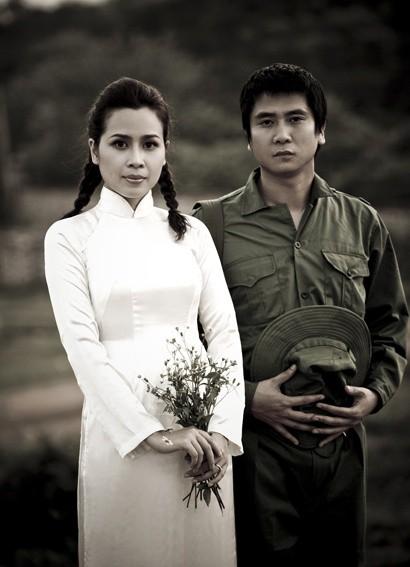 Muôn kiểu chụp ảnh cưới của sao Việt: Người đeo dép tổ ong, người hoá trang thành ông bà lão 80 tuổi 3
