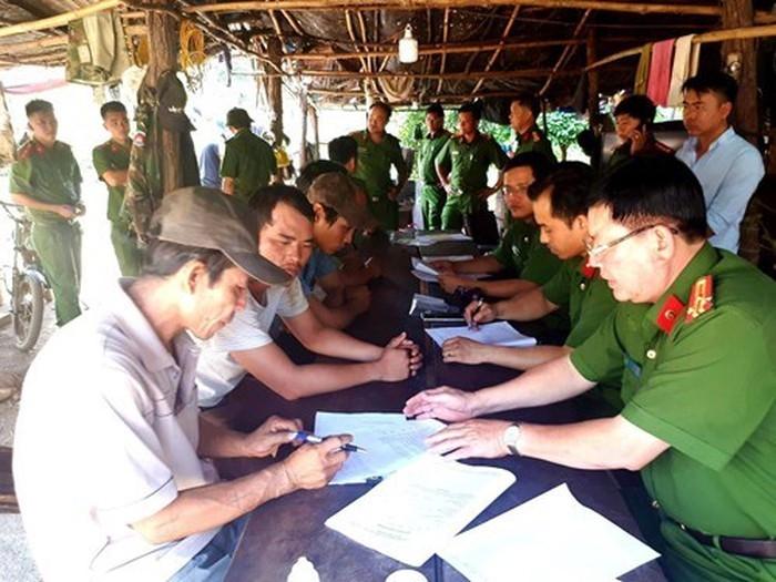 Bắt đội trưởng kiểm lâm Đắk Nông nhận hàng trăm triệu đồng của trùm buôn gỗ Phượng