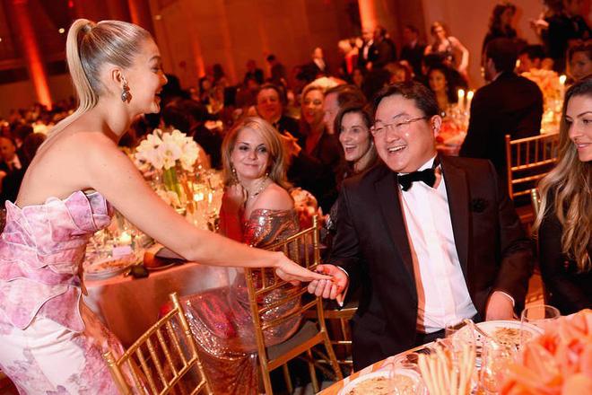 Cuộc sống phóng túng, siêu giàu, dùng tiền mua cả Hollywood của tỷ phú Malaysia đang bị truy nã 1