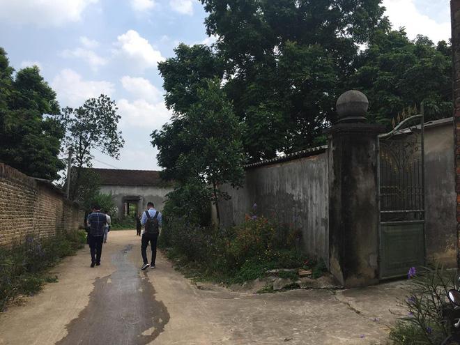 Lời kể của người khống chế, bắt sống nghi phạm sát hại 3 thành viên trong gia đình ở Thái Nguyên: Hắn cầm dao gõ cửa đâm liên tiếp 7 người - Ảnh 4.