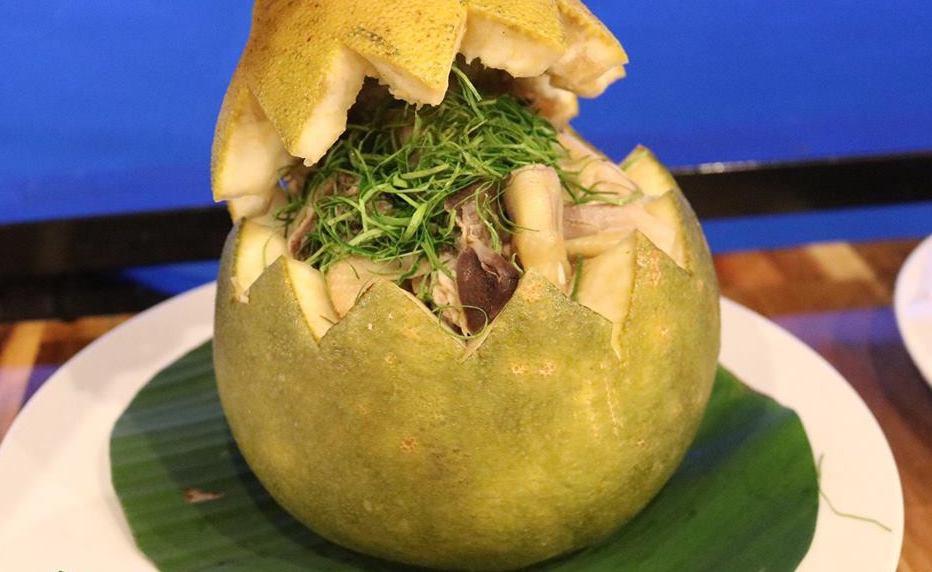 Thật nể người Đồng Nai, có thể bắt cả con gà chui tọt vào quả bưởi để làm thành đặc sản lừng danh - Ảnh 6.