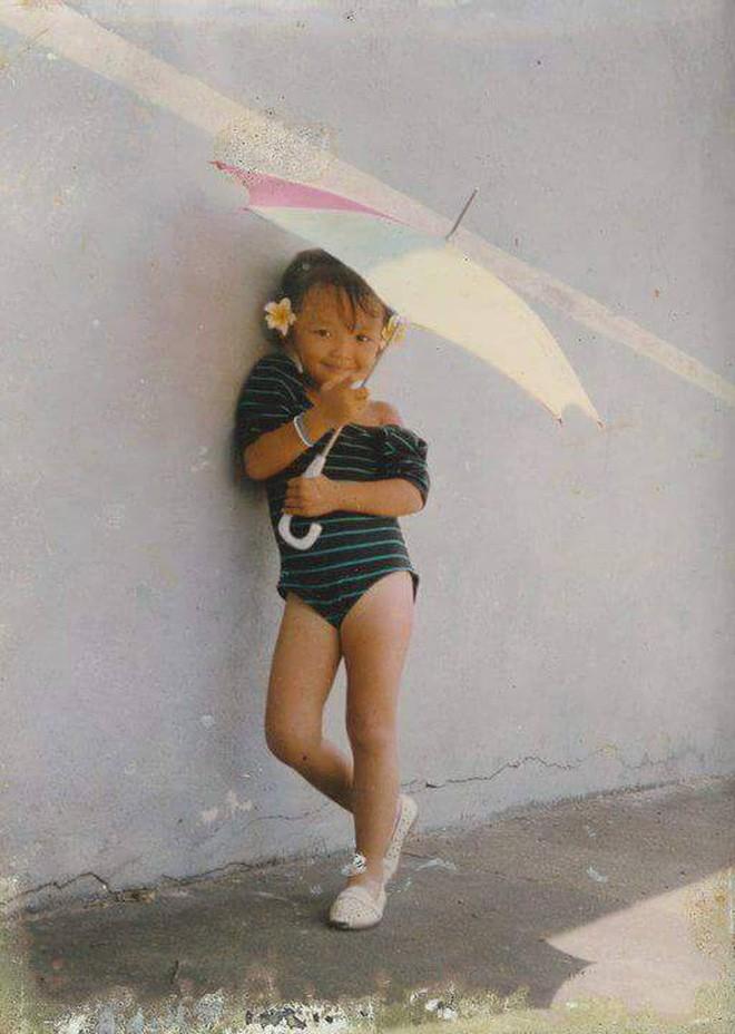 """Ngắm ảnh thời thơ ấu của sao Việt: Người đáng yêu, người gây bất ngờ với ngoại hình """"hai lúa"""" 11"""