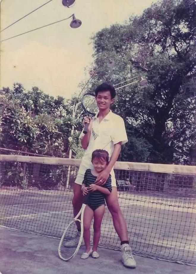 """Ngắm ảnh thời thơ ấu của sao Việt: Người đáng yêu, người gây bất ngờ với ngoại hình """"hai lúa"""" 10"""