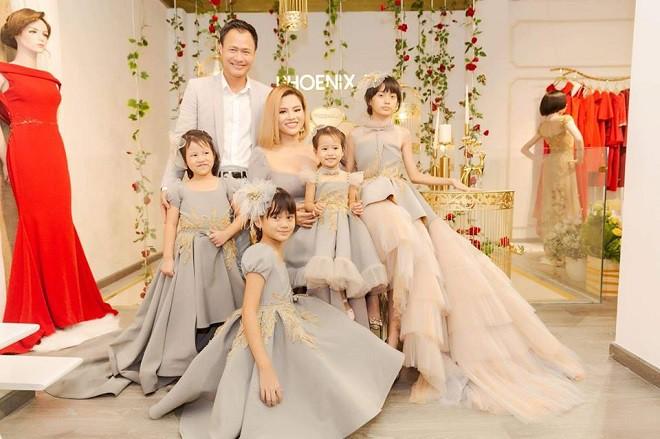 Cuộc sống của Vũ Thu Phương cùng chồng đại gia và 4 con gái thực sự ra sao? 3