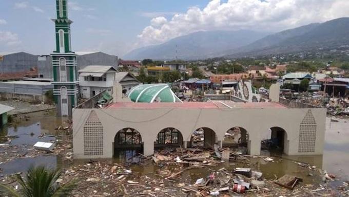 Số người chết trong vụ động đất-sóng thần tại Indonesia tăng vọt lên 384 3