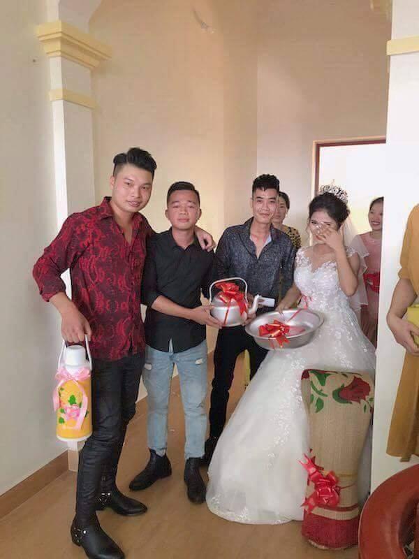 Món quà cưới