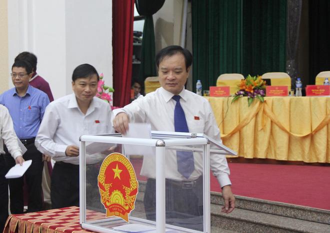 Nghệ An họp HĐND bất thường, bầu tân Chủ tịch UBND tỉnh ngoài 40 tuổi 1