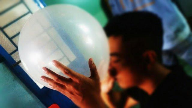 Hình ảnh Hít gần 30 quả bóng cười một ngày, thanh niên phải nhập viện khẩn cấp số 2