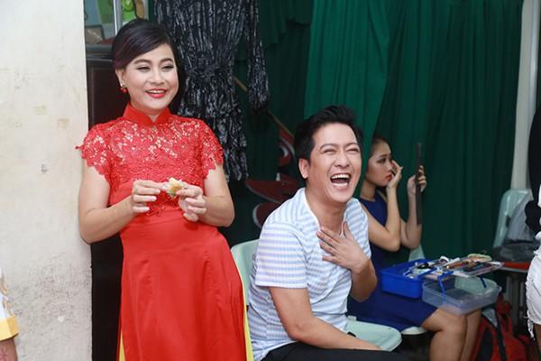 Vì sao Việt Hương, Cát Phượng, Lâm Vỹ Dạ không có mặt trong đám cưới Trường Giang? 5