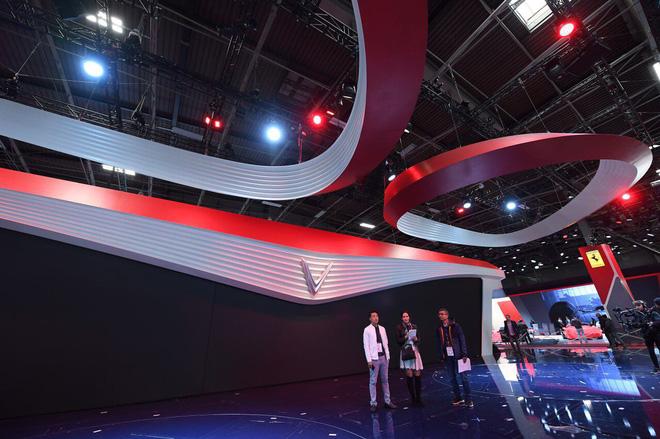 Lộ diện gian hàng VinFast tại Paris Motor Show trước giờ G: Mang cả biểu tượng hoa sen tới nước Pháp 2