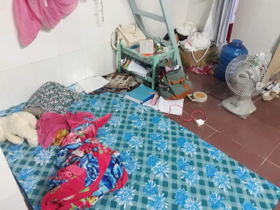 Sốc với bạn gái cùng phòng ở bẩn kinh hoàng, rác vứt bừa bãi từ phòng ở đến tận nhà vệ sinh, cô nàng đăng đàn xin cách trị 2