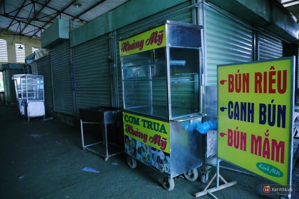Cảnh u ám bên trong khu chợ tiền tỷ ở Sài Gòn bị bỏ hoang gần 15 năm qua 4