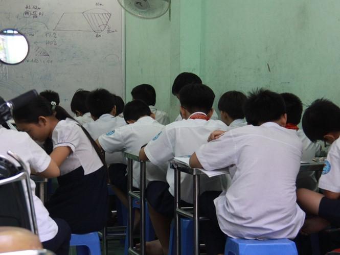 Hình ảnh Xem xét lại việc xử phạt giáo viên dạy thêm với học sinh tiểu học số 1