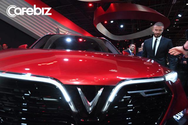 VinFast vừa chơi tất tay tại Paris Motor Show, giờ sẽ chọn chiến lược giá nào để thắng tại thị trường Việt: Xe hơi chất lượng ngang BMW mà giá chỉ tầm Mazda? - Ảnh 1.