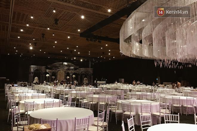 Độc quyền: Hé lộ những hình ảnh đầu tiên về không gian tiệc cưới lộng lẫy của Lan Khuê - John Tuấn Nguyễn 3