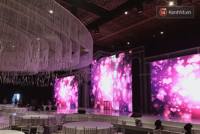 Độc quyền: Hé lộ những hình ảnh đầu tiên về không gian tiệc cưới lộng lẫy của Lan Khuê - John Tuấn Nguyễn 1