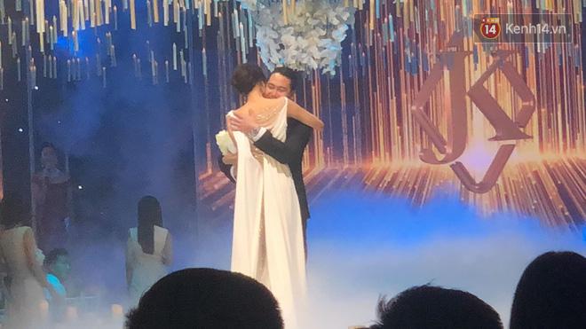 John Tuấn Nguyễn hứa sẽ yêu Lan Khuê hết kiếp này và cả kiếp sau trong đám cưới 6