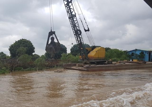 Vĩnh Long: Vỡ đê bao, nhiều xã tỉnh chìm trong biển nước 4