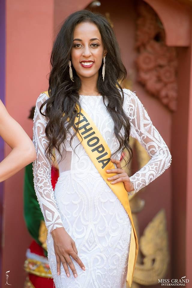 Nhan sắc xấu khó tin của các đối thủ Á hậu Việt Nam tại Hoa hậu Hòa bình Thế giới 2018 10