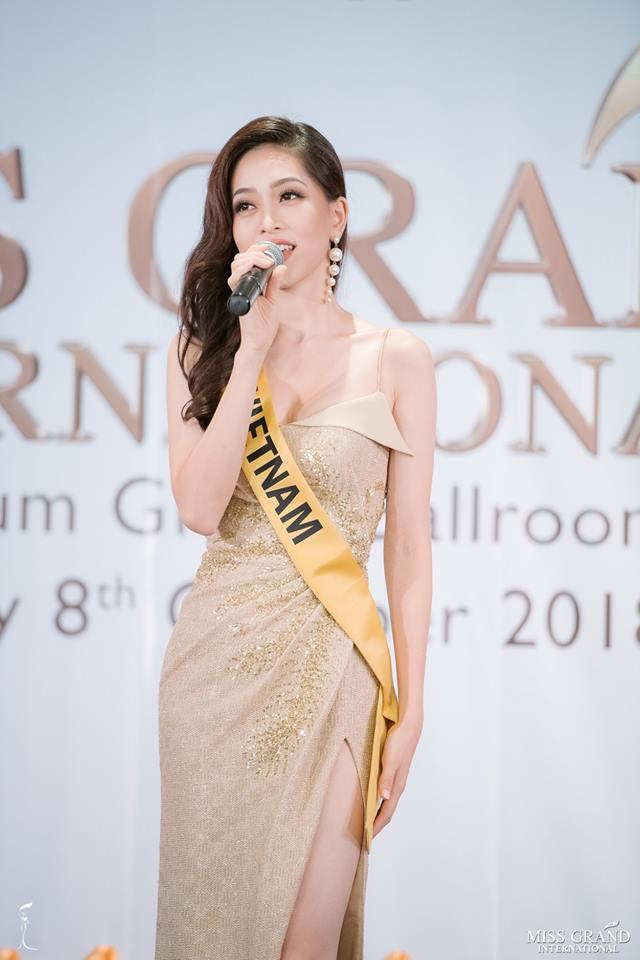 Nhan sắc xấu khó tin của các đối thủ Á hậu Việt Nam tại Hoa hậu Hòa bình Thế giới 2018 17
