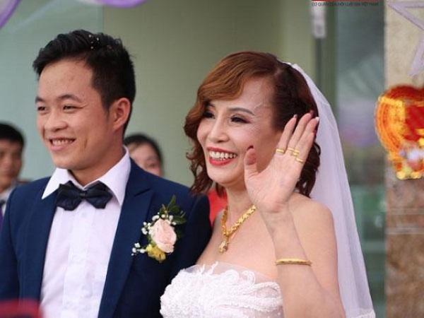 Bị nhà trai phản đối gay gắt nhưng cặp cô dâu 62 tuổi đã dùng chiêu