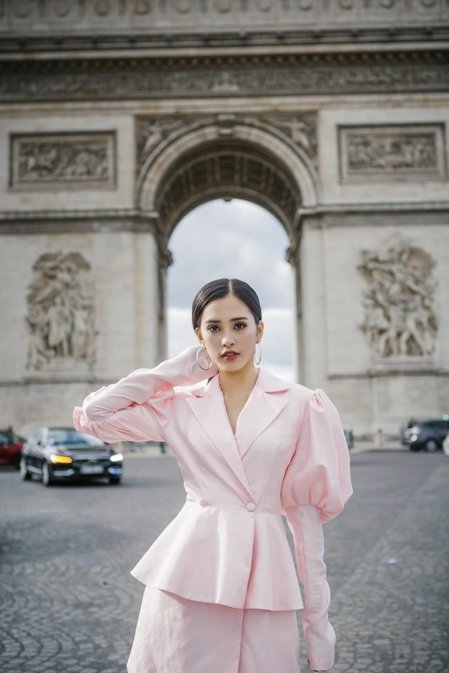 Choáng ngợp trước vẻ đẹp xuất thần của Hoa hậu Tiểu Vy trên đất Pháp sau sự kiện Vinfast 13