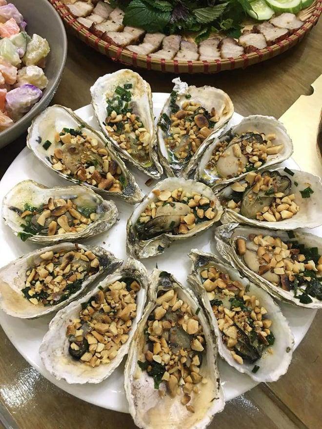 Dâu đảm mở tiệc mừng sinh nhật mẹ chồng, 8 món hải sản hoành tráng chỉ 440 nghìn, một mình làm 2 tiếng là xong 7