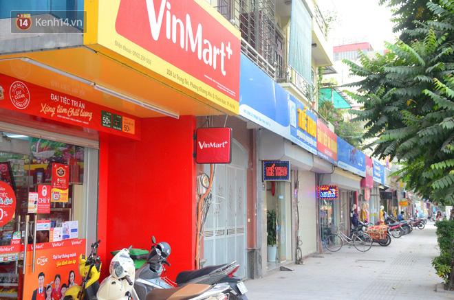 Tuyến phố kiểu mẫu đầu tiên ở Hà Nội thất bại sau 2 năm thử nghiệm 'đồng phục' biển hiệu 9