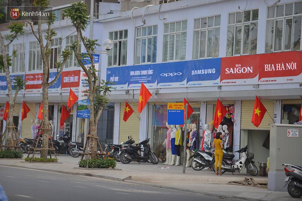 Tuyến phố kiểu mẫu đầu tiên ở Hà Nội thất bại sau 2 năm thử nghiệm 'đồng phục' biển hiệu 1