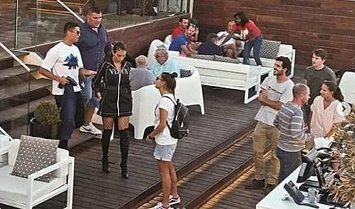 Không hội quân cùng Bồ Đào Nha, Ronaldo lén gặp luật sư bàn kế giải quyết vụ hiếp dâm 1