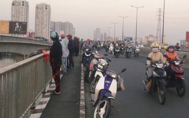 Cô gái để lại thư, dựng màn tự tử giả trên cầu Sài Gòn, nguyên nhân thực sự là đây - Ảnh 2.