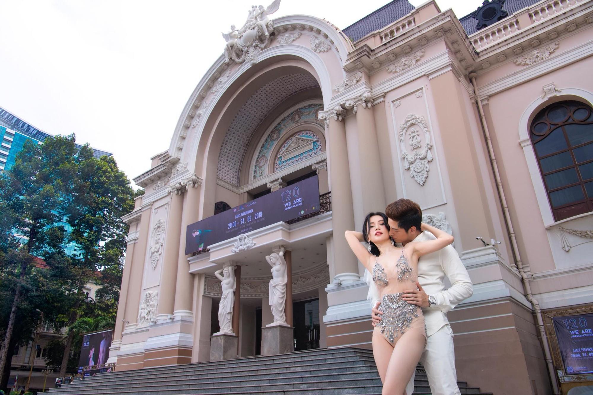 Sĩ Thanh chụp ảnh cưới sexy ở trung tâm thành phố bị chỉ trích - Ảnh 1.