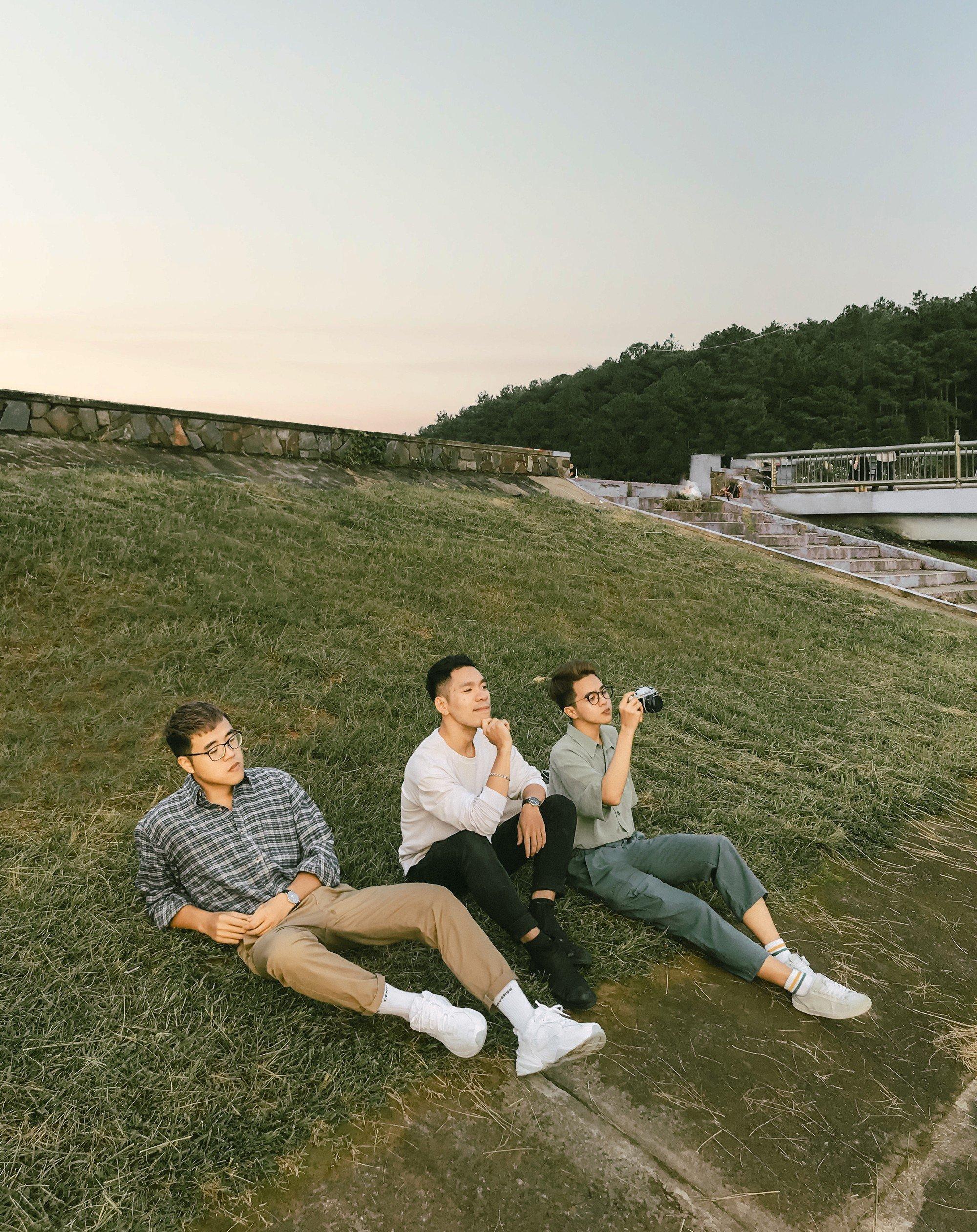 Hội bạn thân 3 miền Bắc - Trung - Nam rủ nhau lên Đà Lạt, chụp ảnh nhóm xuất sắc như bìa tạp chí - Ảnh 2.