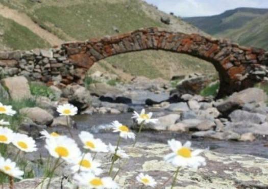 Cầu đá 300 năm tuổi tồn tại suốt 3 thế kỉ ở Thổ Nhĩ Kỳ đột nhiên biến mất 1