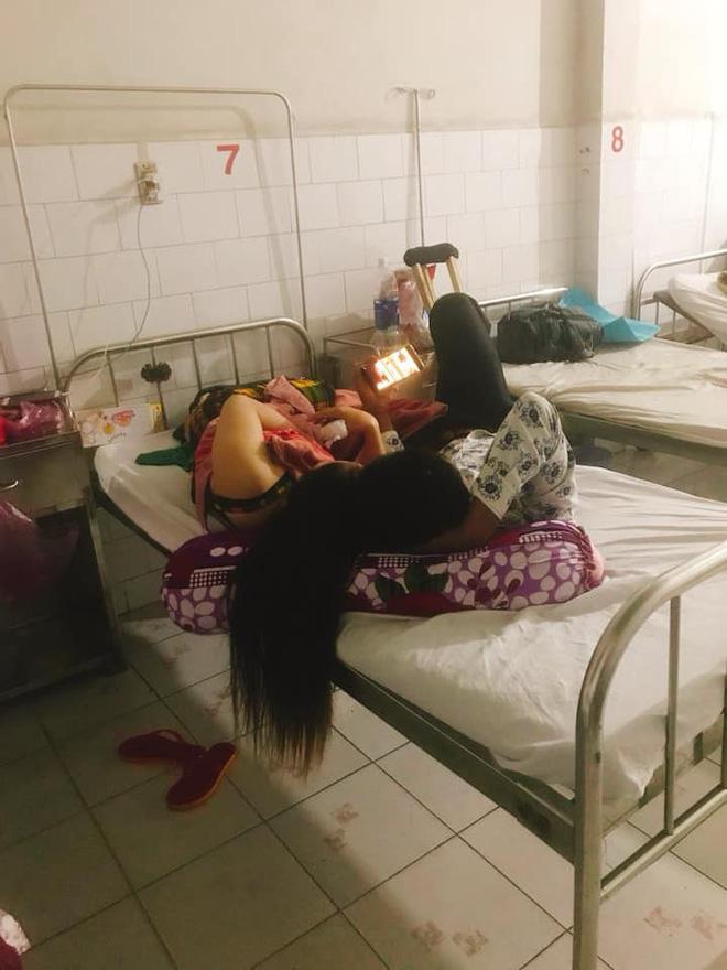 Nhức mắt với chị gái giường bên vừa ở bẩn vừa vô ý, lại còn tí toáy với bồ ngay trong bệnh viện - Ảnh 1.