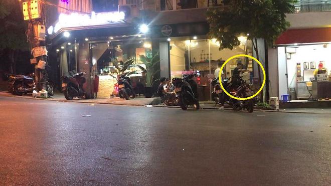 Clip: Một số quán cà phê Hà Nội ngang nhiên bán bóng cười ngay tại vỉa hè, nếu thích có thể mua cả bình mang lên ô tô - Ảnh 3.