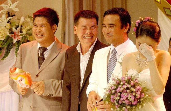 Những tình huống dở khóc dở cười trong đám cưới sao Việt: Suýt sạt nghiệp vì khách mời tăng đột biến, khán giả lên tận lễ đường xin chữ ký 5