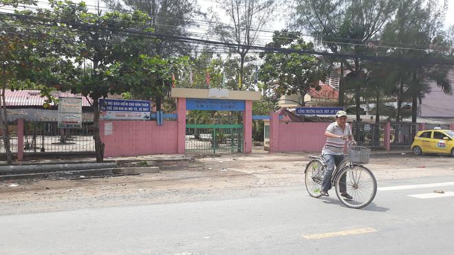 Nhân chứng kể lại phút giải cứu 6 học sinh nằm bất động dưới dây điện bị đứt trước cổng trường 1