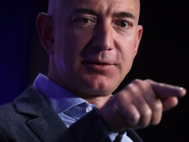 Theo người giàu nhất thế giới Jeff Bezos, chỉ cần hỏi 1 câu này để biết bạn có thông minh không 2