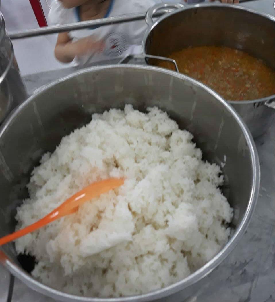 Vụ cho trẻ ăn gạo mốc, đầu cá: Điều động cấp dưỡng từ các trường khác tới nấu 1