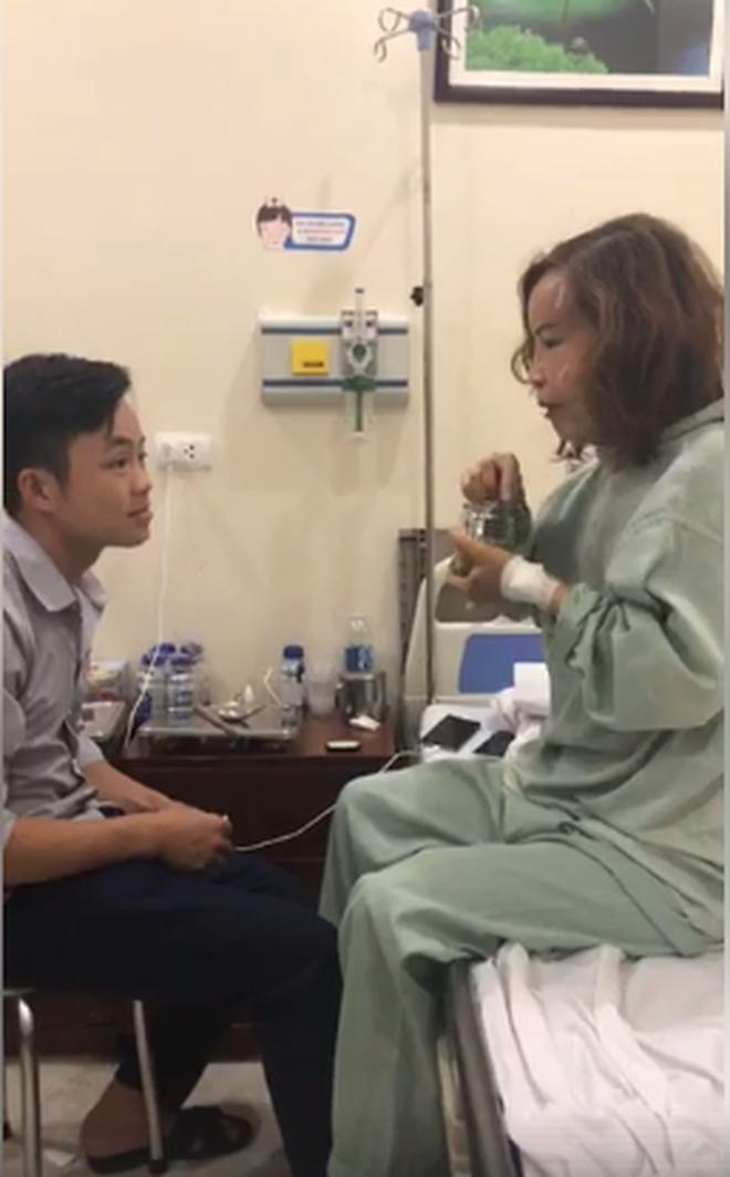 Không chỉ đưa chồng trẻ đi nhấn mí, cô dâu 62 tuổi gây bất ngờ với gương mặt