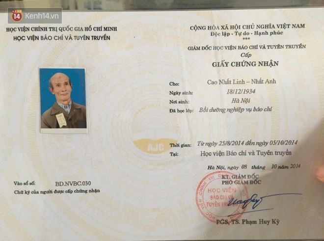 """Cụ ông 85 tuổi ở Hà Nội ngày ngày đạp xe đến giảng đường: """"Tôi đi học với các cháu để thỏa mãn giấc mơ ấp ủ bao năm"""" 4"""